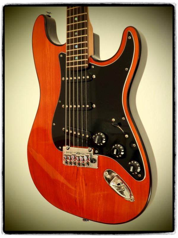 E-gitarre Stratocaster Modell Cirrus