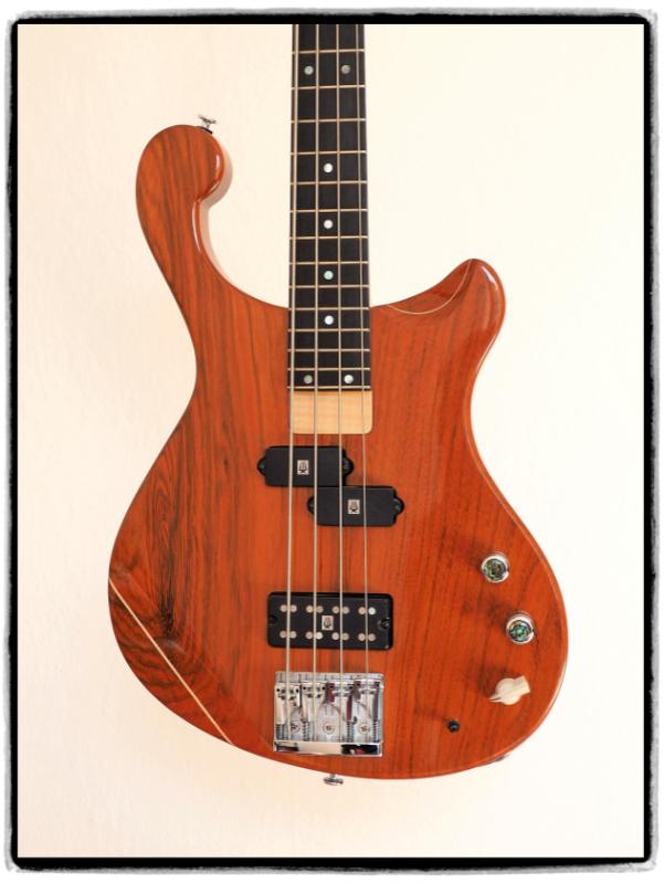Joz bass Modell, Korpus